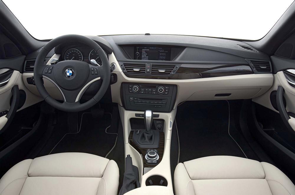Салон BMW x1