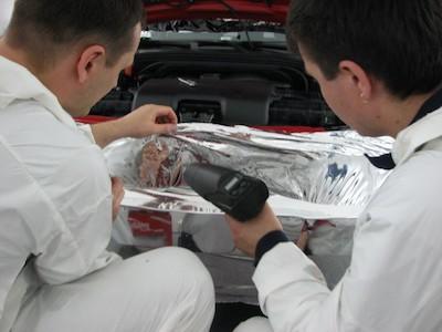 Пример самостоятельной обтяжки автомобиля плёнкой